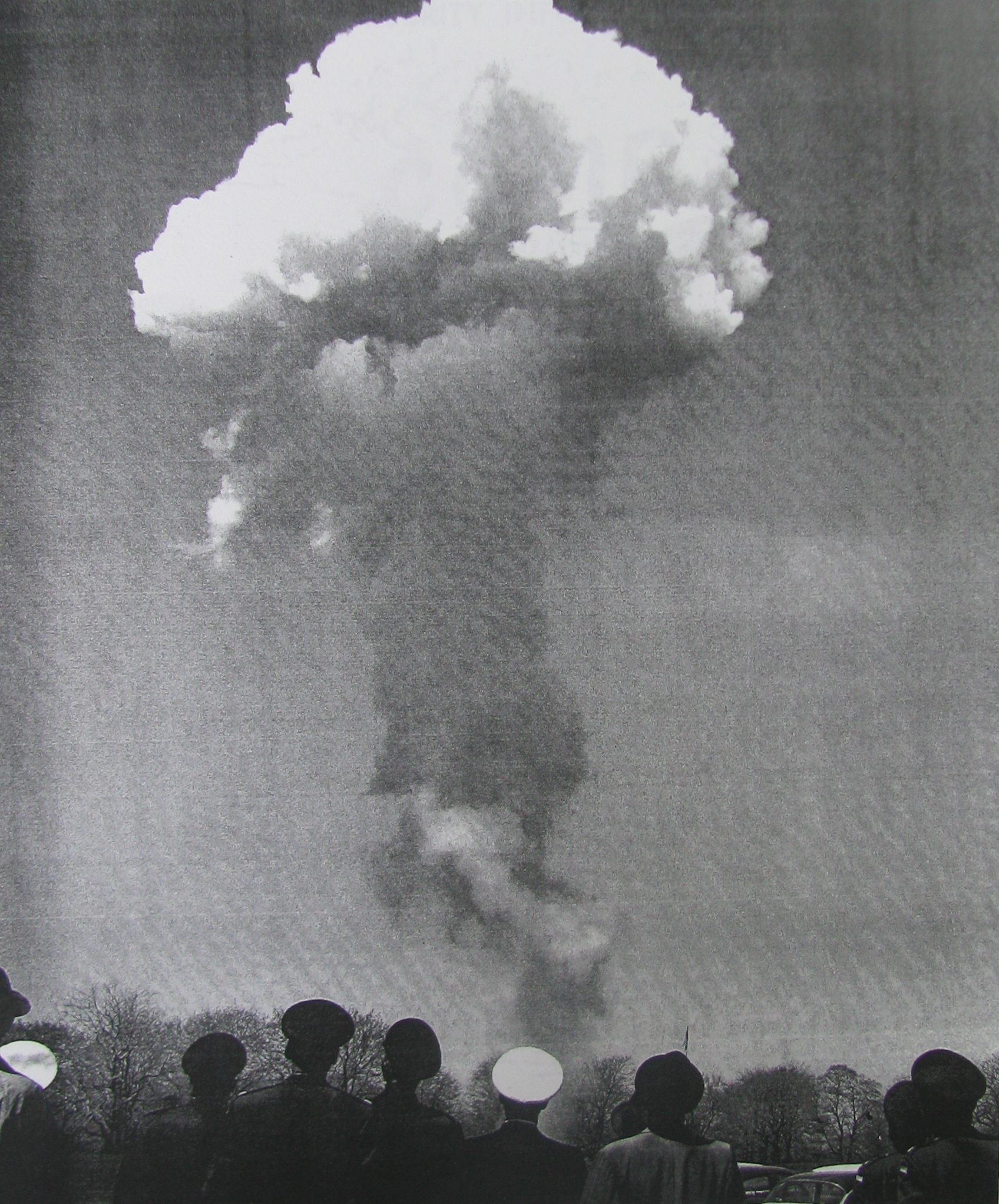 atomic bomb research papers - the atomic bomb the atomic bomb is a powerful, explosive nuclear weapon it is fueled by the fission of the nuclei of specific amounts of plutonium or uranium, in a chain reaction the strength of the explosion created by one of these bombs is equal to the strength of.