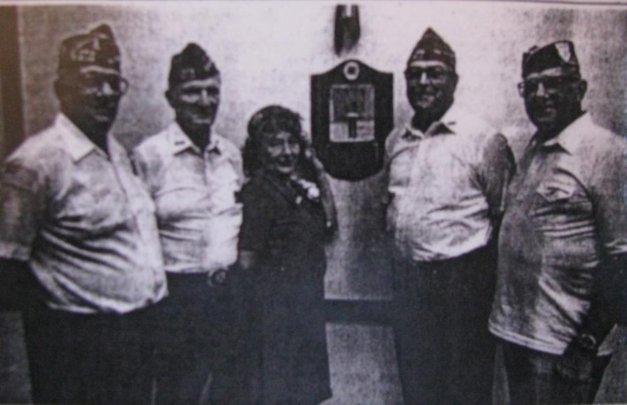Left to right, Orent S. Gordon, Sr., trustee, Russell Gallaway, past commander, Melitta Gay, Ed Ledeger, post commander and Sandy Sandmire, commander-elect EX-POW Club. Gondolier photo by Allan Johnson