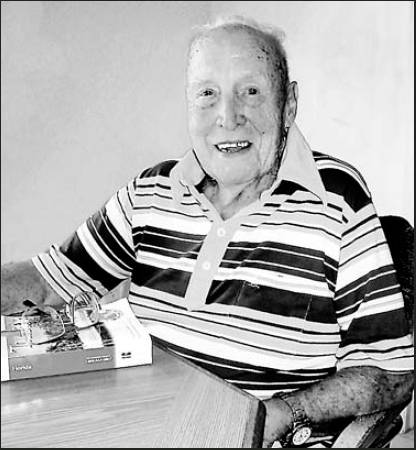 "Lt. j.g. Vernon Martens served in Marine legend ""Chesty"" Puller's battalion during the battles for Guadalcanal and New Briton in the Pacific during World War II. Sun photo by Don Moore"