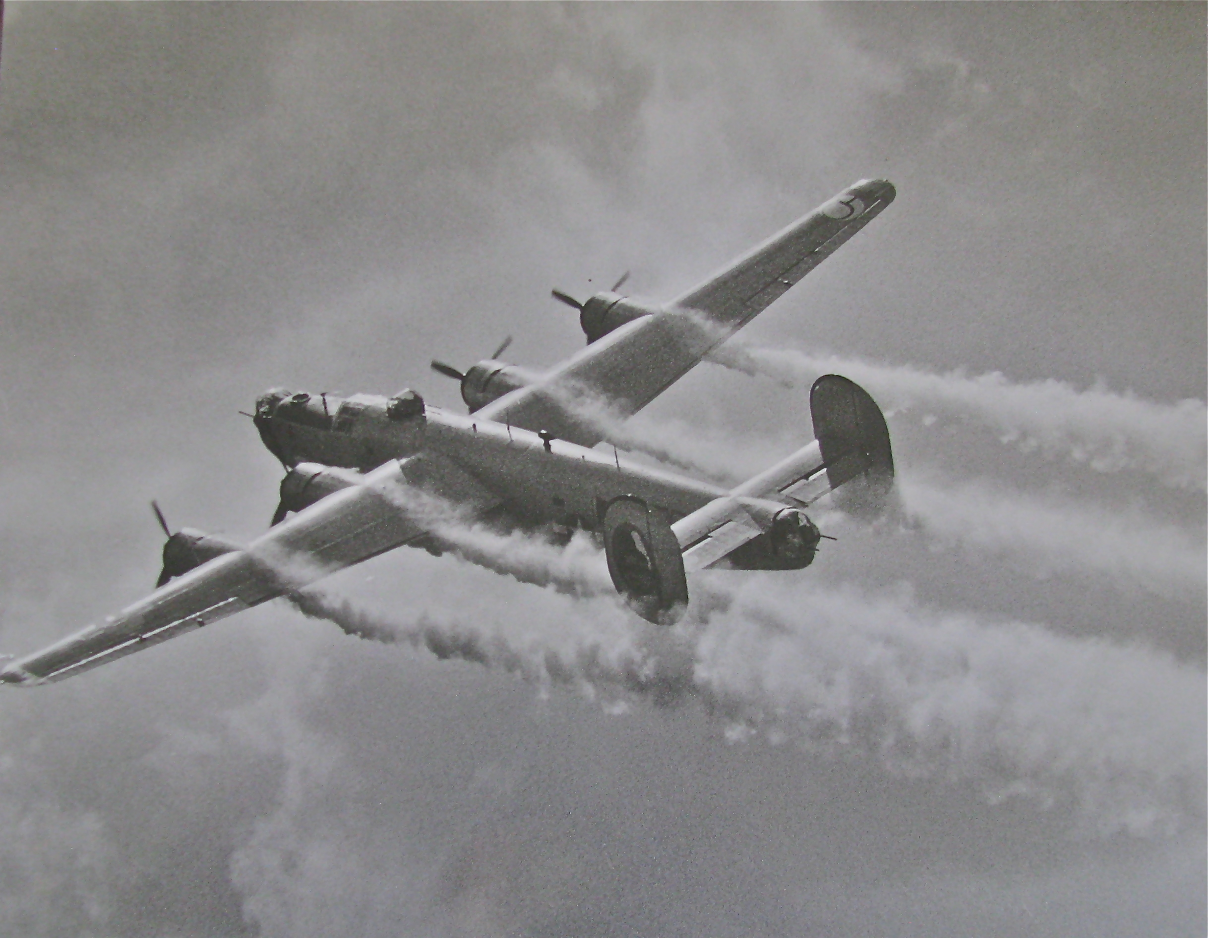 U.S. 8th Air Force saved Britain from Hitler during WW II ...