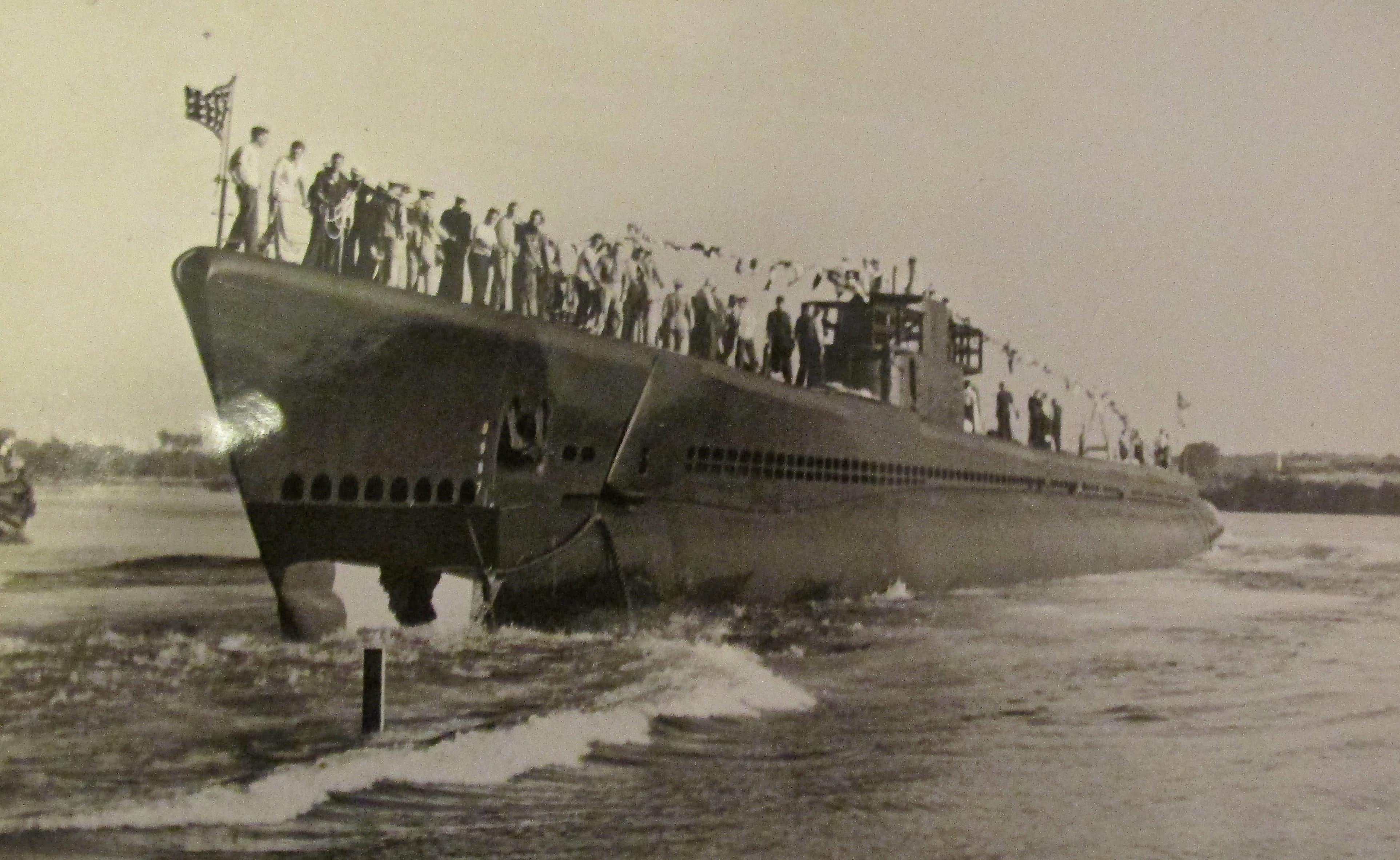 Bob Erwin of North Port, Fla.made 5 combat cruises aboard ...